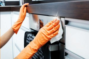 Photo #4: MAID HOUSE KENT CLEANING SERVICE