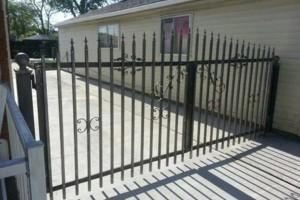 Photo #18: Mallah Aluminum . Commercial doors, Windows, Fences