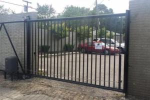 Photo #8: Mallah Aluminum . Commercial doors, Windows, Fences