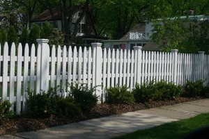 Photo #3: DO YOU NEED A FENCE INSTALLED?