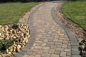 Photo #3: FREE ESTIMATES! BLOCK WALLS-PAVERS-STONE VENEER