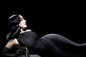 Photo #3: Female Photographer - Glamour shoots, Portraits, Weddings