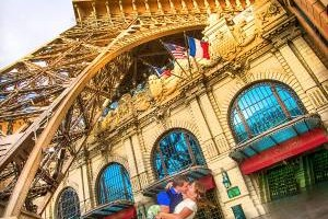 Photo #4: Wedding Photography - Vegas Sign, Eiffel Tower, Bellagio Fountains....