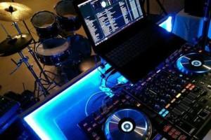 Photo #2: OLD SCHOOL DJ - HIP HOP, LATIN, CUMBIAS.  DJ klaSICK
