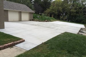 Photo #1: Concrete/Floor Coating Contractor