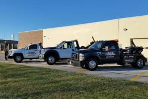 Photo #1: L&I Recovery. 5 Tow Truck affordable.