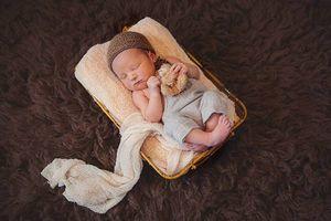 Photo #18: Newborn Photography - $150