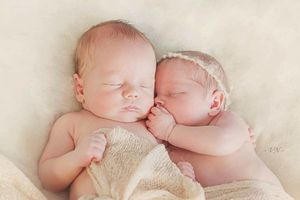 Photo #13: Newborn Photography - $150
