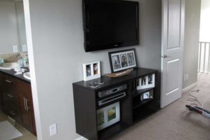 Photo #1: ED'S PROFESSIONAL AND AFFORDABLE TV MOUNTING
