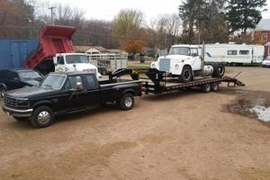 Photo #1: Gooseneck hauling
