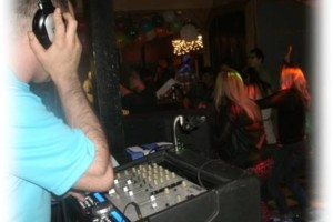 Photo #1: Radio Style DJs at your Service! Star Light Entertainment
