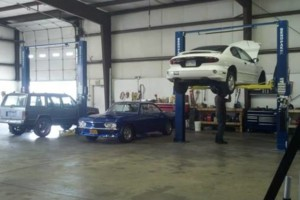Photo #1: AUTO REPAIR - Get more for less! Roscoe's Auto Pro Shop