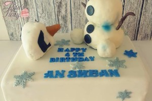 Photo #2: BABY SHOWER CAKES! NEED A CUSTOM CAKE OR CUPCAKES?!
