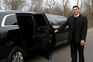 Photo #3: King's Limousine. Corporate Car Service. Airport/Hotel Transporation