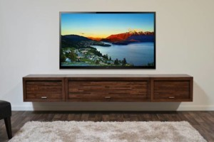 Photo #1: PROFFESSIONAL FLAT SCREEN TV MOUNTING $120.00