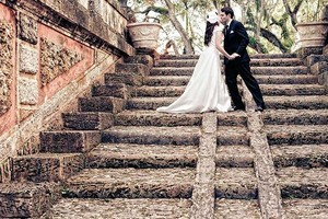 Photo #9: Wedding Photographer with 1200 Wedding Collections