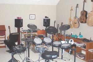 Photo #1: LEARN TO PLAY GUITAR, MANDOLIN, VIOLIN OR BANJO
