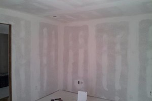 Photo #7: DRYWALL,CARPENTRY OR ANY HANDYMAN WORK by Julio