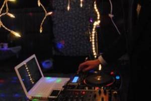 Photo #1: Mobile DJ - $40 Per Hour