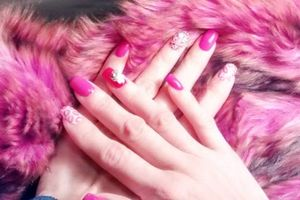Photo #1: Acrylic Nails