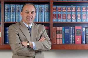 Photo #1: BUSINESS / CORPORATE & LAW CIVIL LITIGATION Attorney