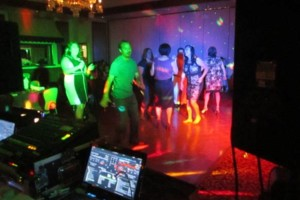 Photo #5: DJ WEDDINGS, QUINCEANERAS/ONDA MUSICAL