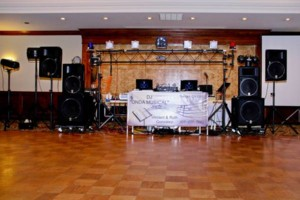 Photo #2: DJ WEDDINGS, QUINCEANERAS/ONDA MUSICAL