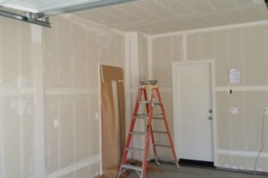 Photo #2: $100 per room - PAINTING - INT/EXT
