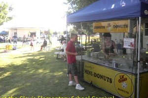 Photo #4: Goody's Mini-Donuts