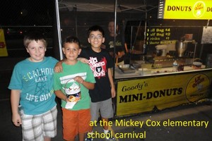 Photo #2: Goody's Mini-Donuts