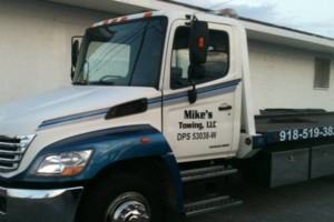 Photo #1: MIKE'S  Towing and Wrecker Service