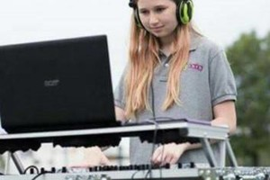 Photo #4: MOBILE AND EVENT FEMALE DJ ISIS