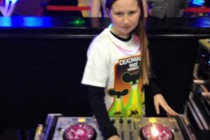 Photo #3: MOBILE AND EVENT FEMALE DJ ISIS
