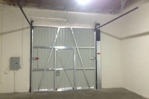 Photo #2: COMMERCIAL AND INDUSTRIAL DOORS
