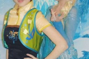 Photo #8: Hire inspired characters -Elsa and Anna
