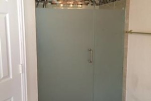 Photo #3: IMPERIAL GLASS TX. SHOWER GLASS...