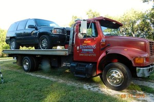 Photo #1: BONNARENS - LOW COST TOWING!