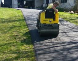 Photo #1: Blacktop Pros - Asphalt, Blacktop, Driveways, Patching, Parkinglots