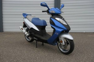 Photo #2: MOMENTUM 50'S. SCOOTER/MOPED SERVICE/REPAIR