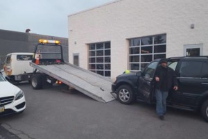 Photo #5: Feliciano Towing 5 star rated
