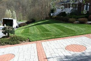 Photo #2: Weekly Lawn Care - mowing, clean edges, and all unsightly grass
