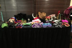 Photo #9: Crosstown Entertainment. DJ and Photo Booth Packages
