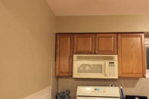 Photo #2: PAINTING GREAT RATES -FREE ESTIMATES