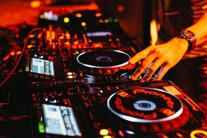 Photo #2: DJ SINCERE -  WEDDINGS- BIRTHDAY PARTIES, BABY SHOWERS...
