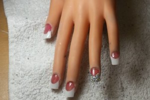 Photo #3: Daisy's Nails - Pedicures/Manicures