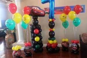 Photo #14: BALLOON DECORATIONS by Roselyn's Impressive Balloons