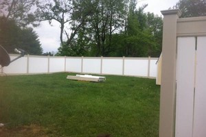 Photo #9: Fence crews. Wood-vinyl-chainlink & aluminum fences
