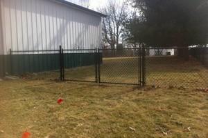 Photo #1: Fence crews. Wood-vinyl-chainlink & aluminum fences