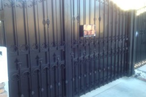 Photo #6: Lou Rodriguez fencing TOWN AND COUNTRY FENCE