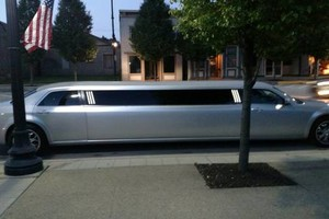Photo #9: Rock Star Limousine Service. AFFORDABLE! Party in style today!